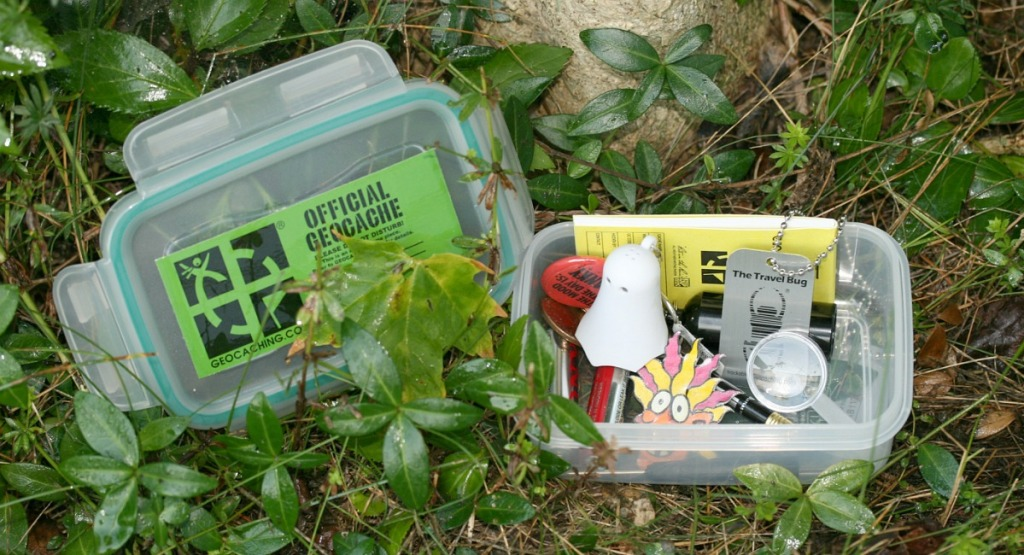 free summer activities for kids — geocaching