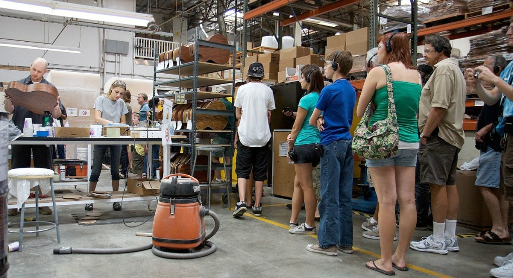 free summer activities for kids — factory tour