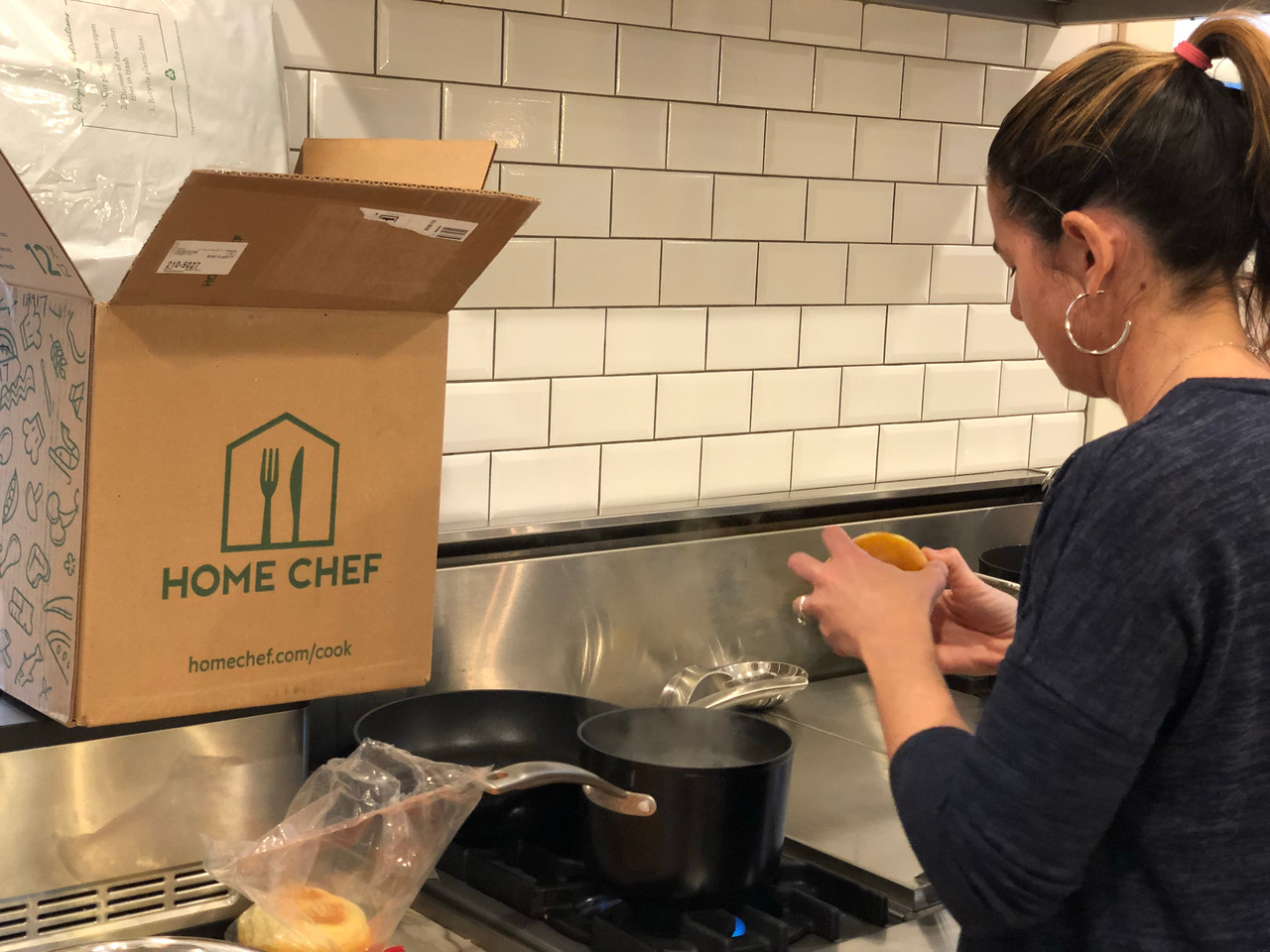 home chef meal deal – summer recipes – Bryn preparing a Home Chef meal