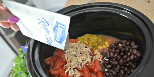 Don't Know What to Make for Dinner? Try This Easy Slow Cooker Chicken Chili!
