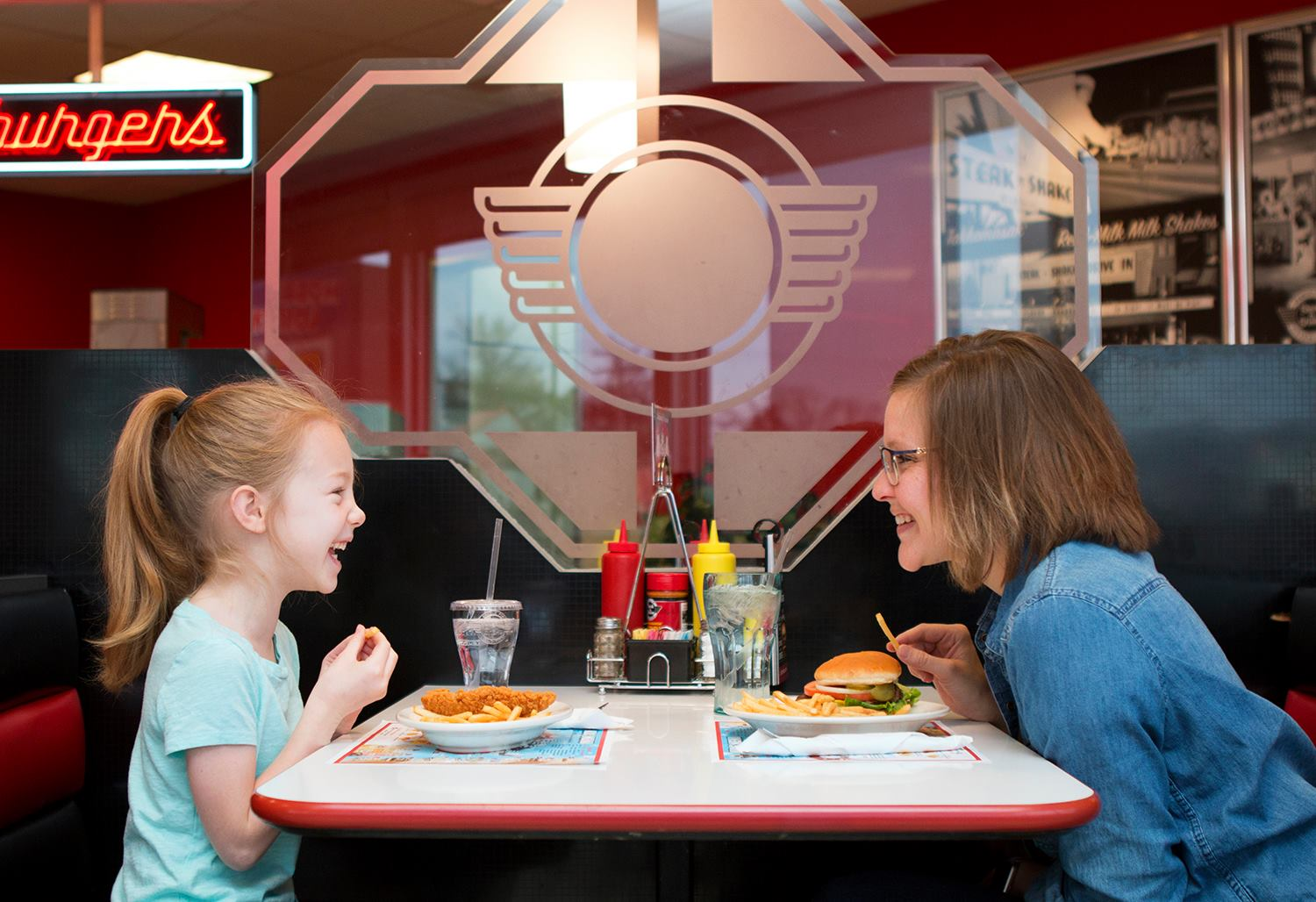 kids eat free or cheap this summer | Steak'n Shake