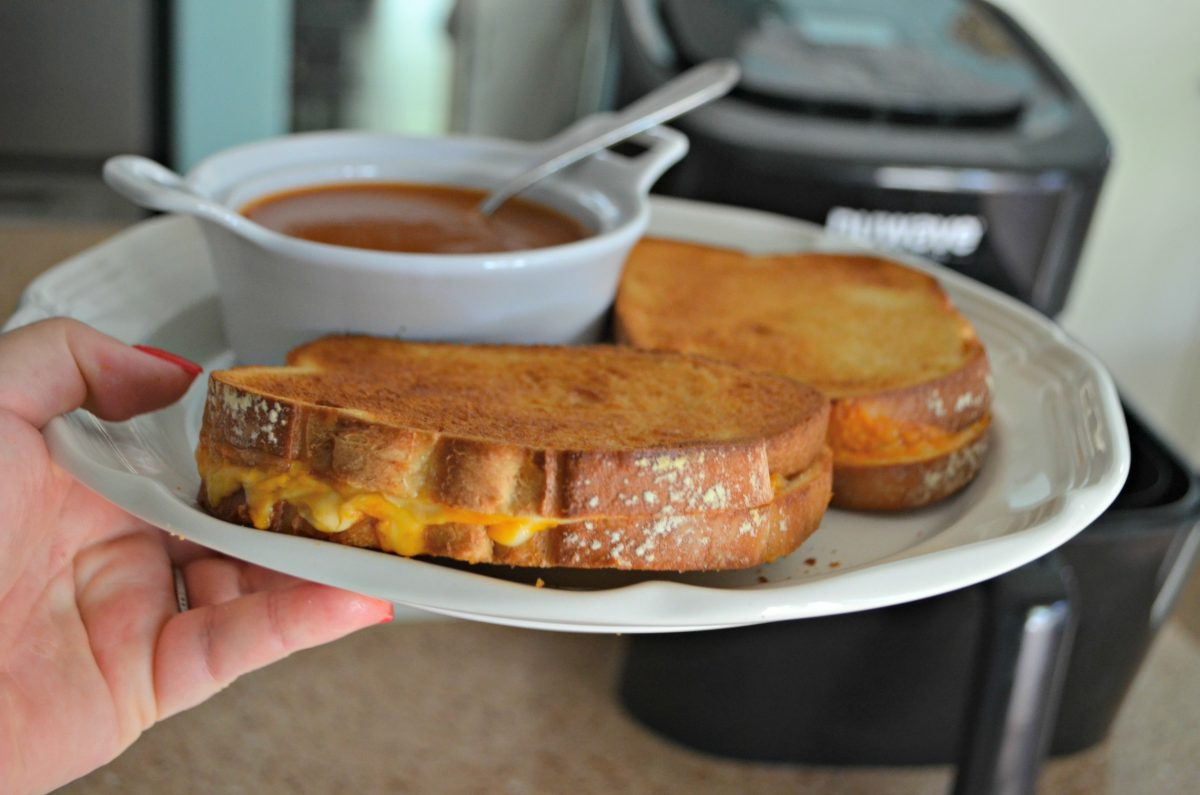 air fryer grilled cheese - closeup of the sandwiches