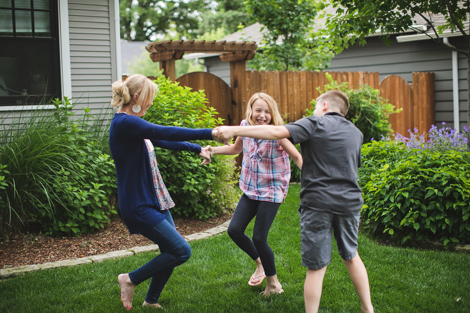 life lessons learned in 10 years – Collin and her kids playing