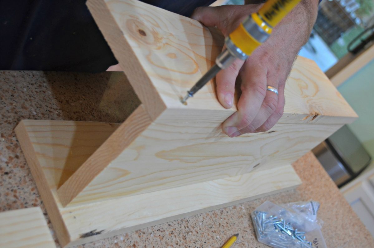 diy rustic farmhouse wood box centerpiece – assembling the box