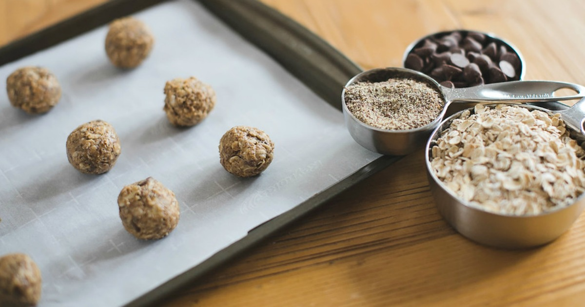 Hip2Save's Top 10 Recipe & DIY Posts of All Time –– easy oatmeal energy bites