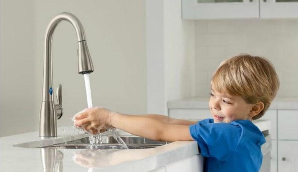 Moen Arbor Motionsense Touchless Kitchen Faucet Just $246.76 ...