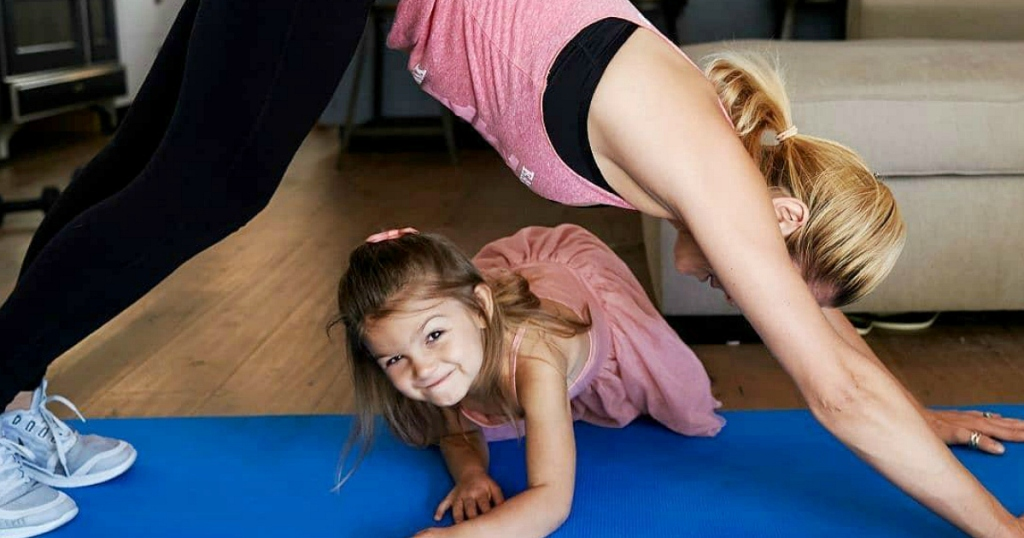 ways to have a great day in the morning - home workout session with daughter kids