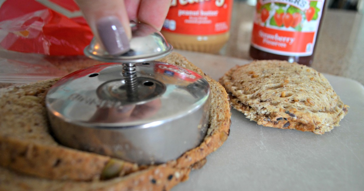 These school clever lunch box hacks are so easy – press and seal PB&J uncrustable maker