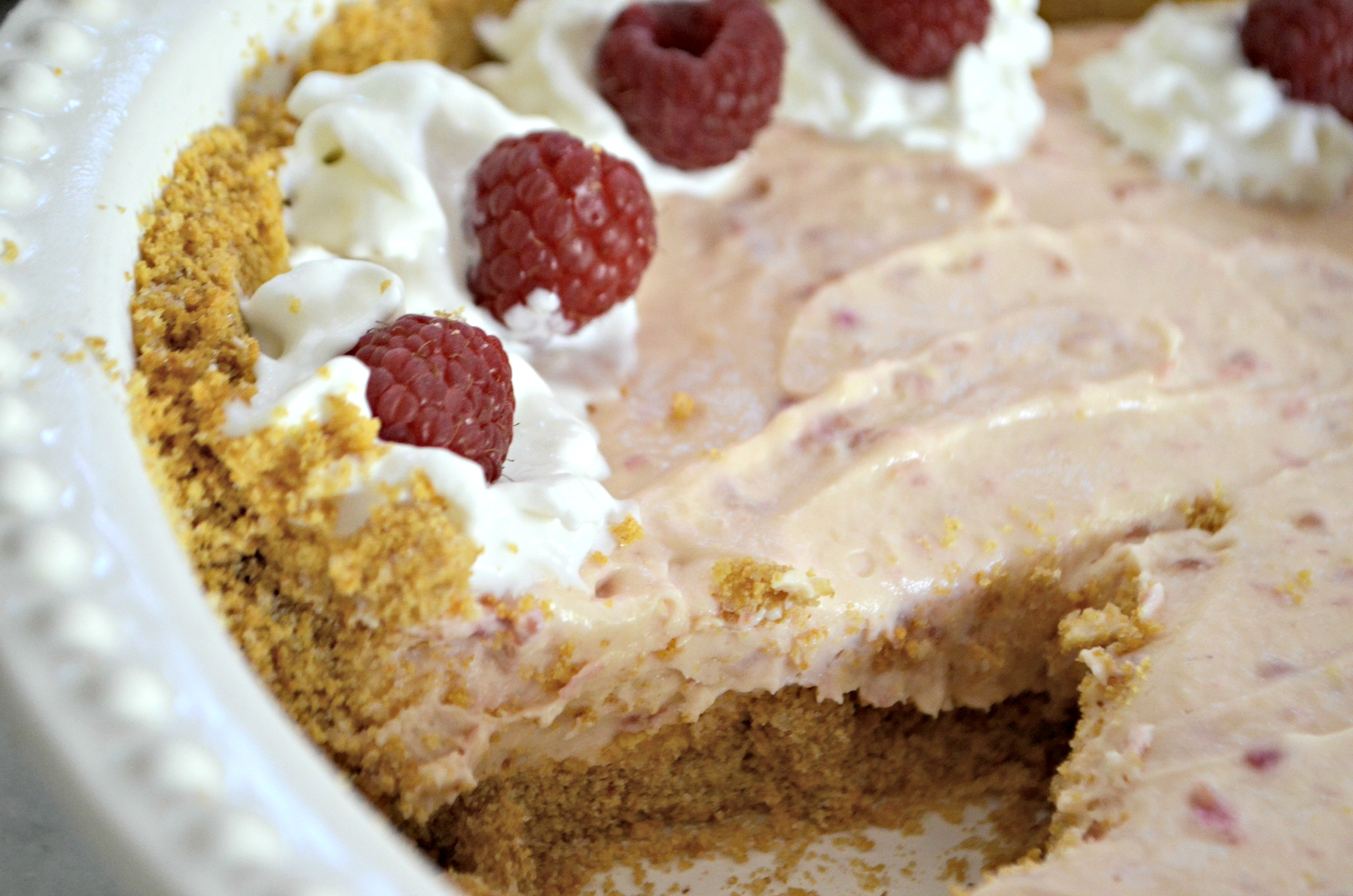 Easy Raspberry Cream Pie – Closeup of the finished pie