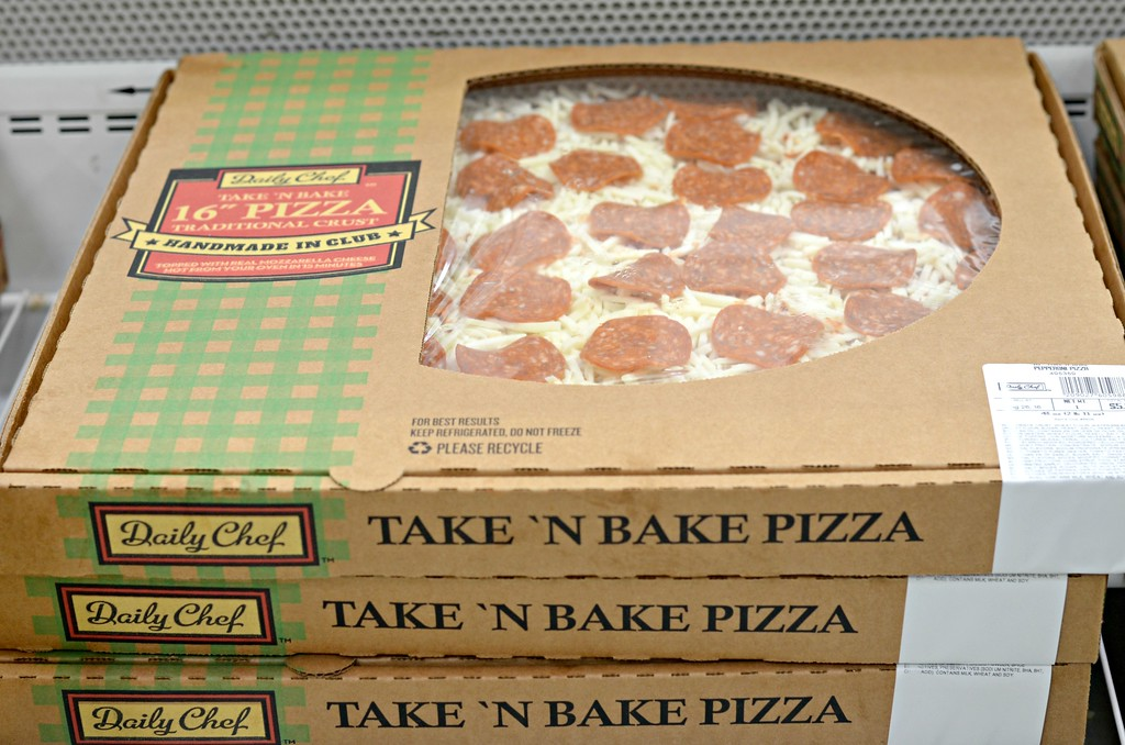 Daily Chef Sam's Club take and bake pizza