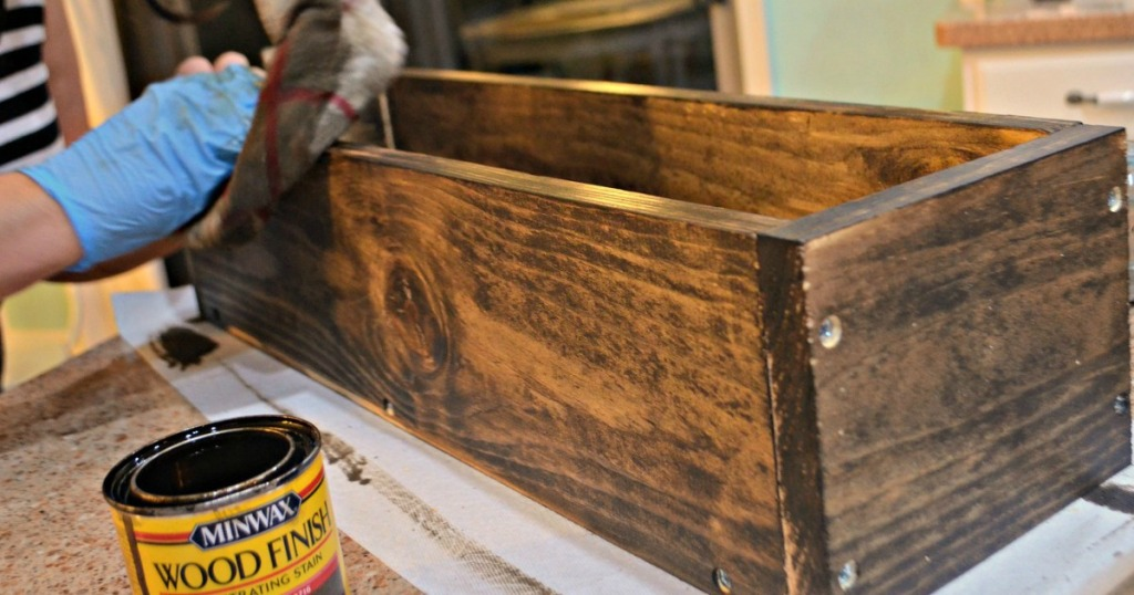 Diy Build This Rustic Farmhouse Wood Box Centerpiece For