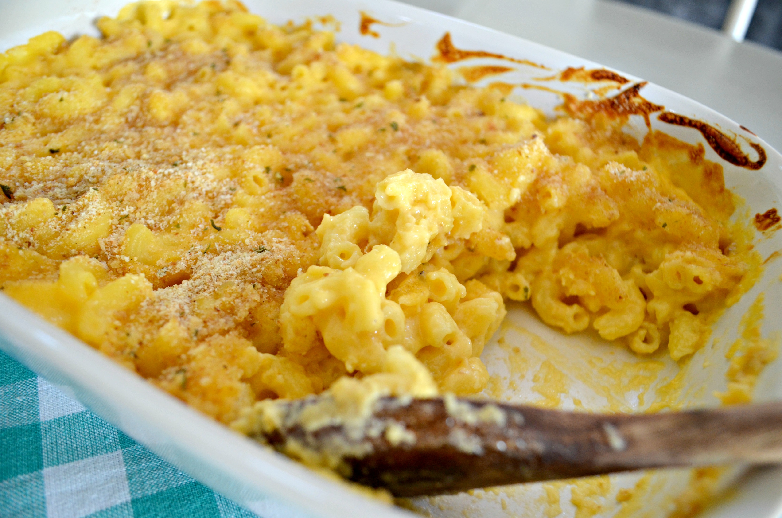 Classic Mac and Cheese just like my mom made! – Baked and ready to serve
