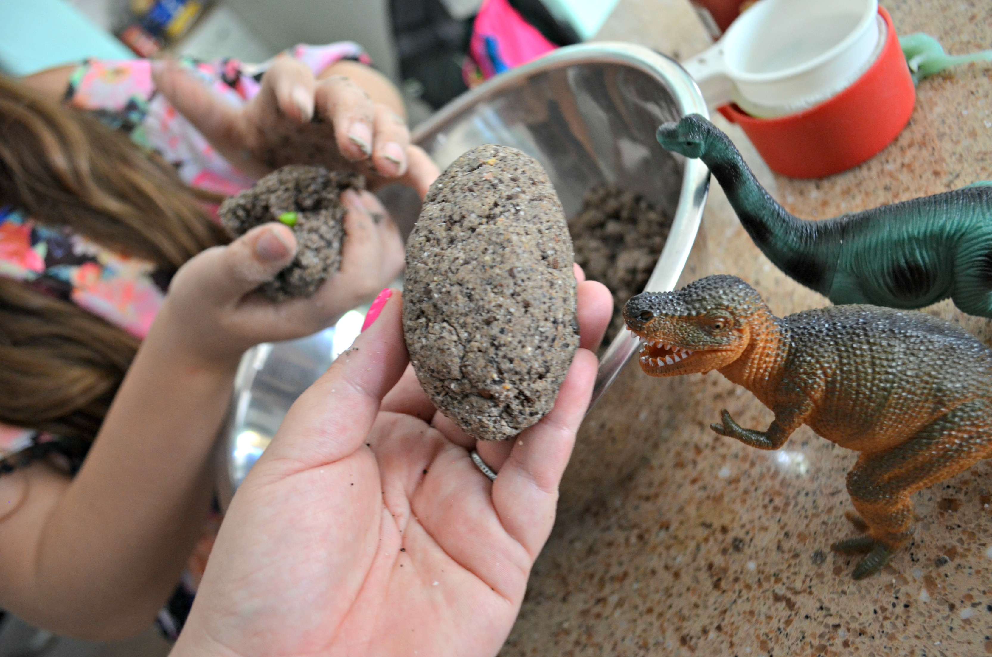 diy dinosaur surprise eggs – Forming the eggs