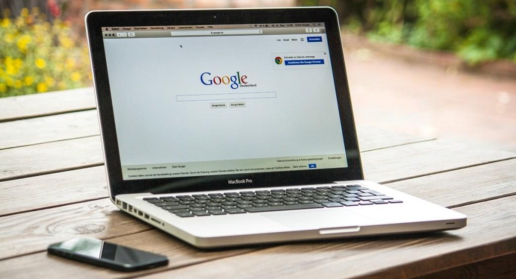 google homepage on macbook pro