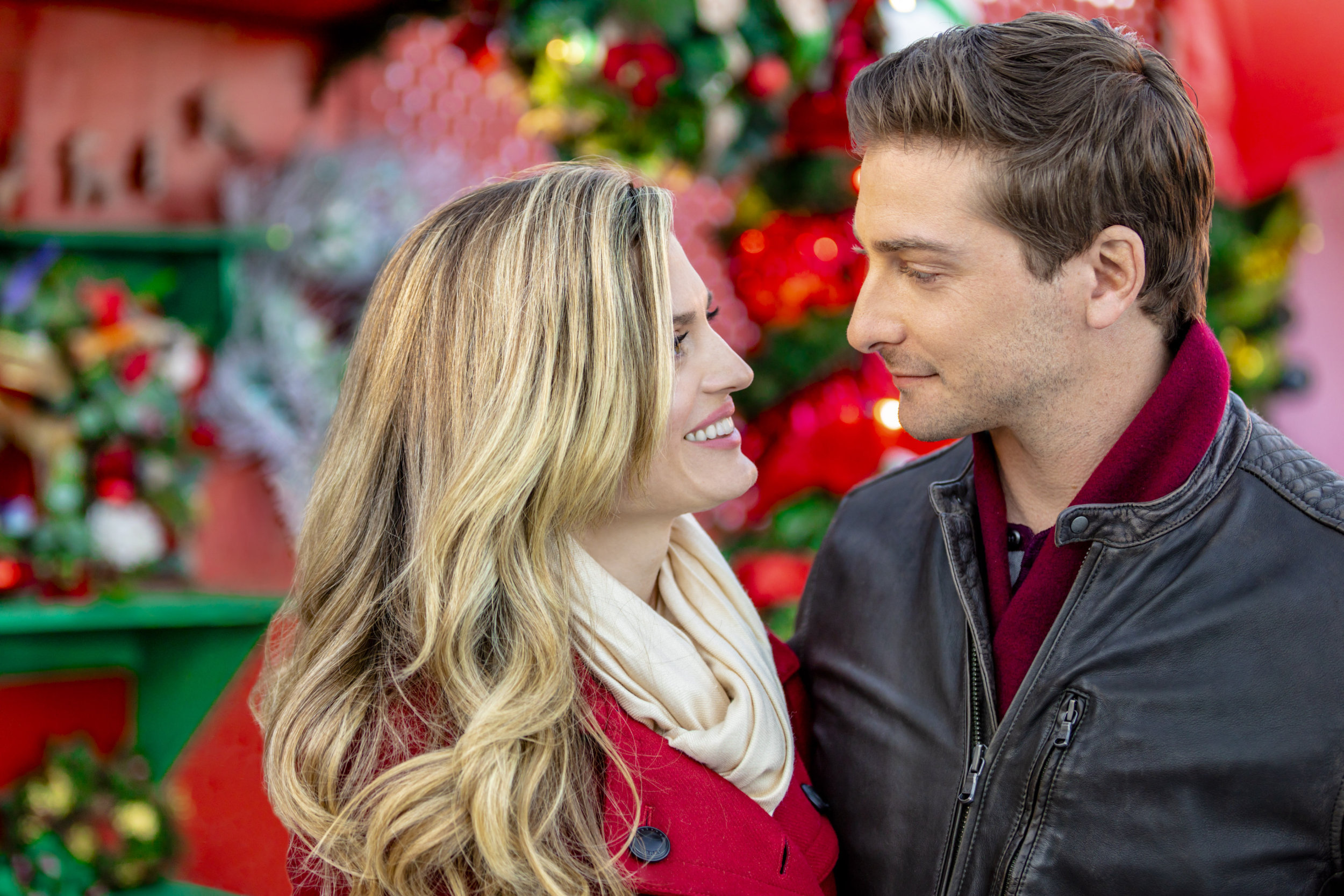 2018 prime video hallmark Christmas movies countdown – man and woman smiling at each other
