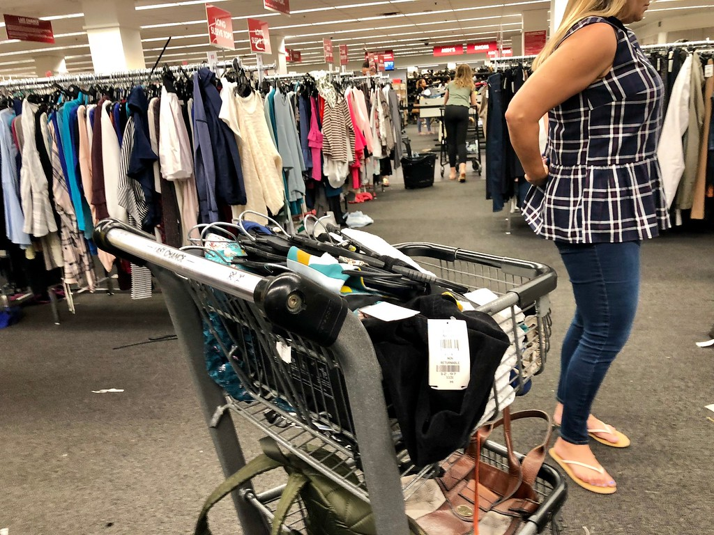 nordstroms last-chance store deals, tips, and tricks – shopping cart filled with items