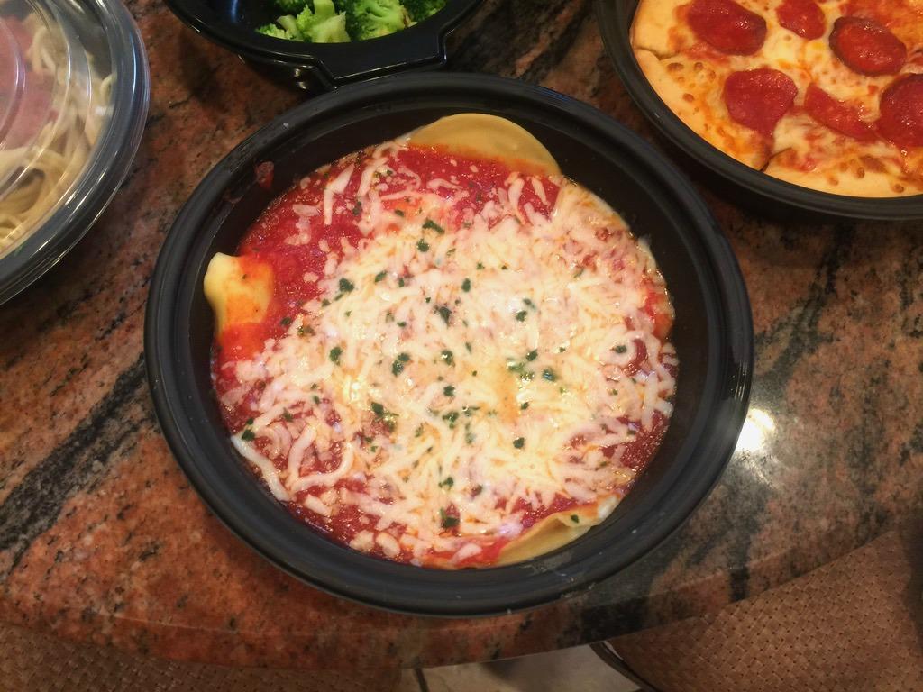 4 olive garden entrees 2 soups salads 4 breadsticks and - Olive garden soup and salad dinner ...