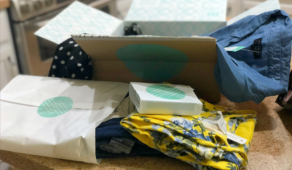 stitch fix box with clothes and accessories - wardrobe review
