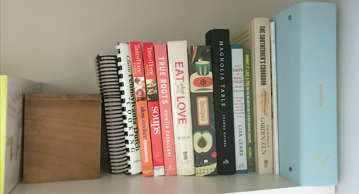 amber's organized meal plans and grocery shops — cookbooks and meal planning binder