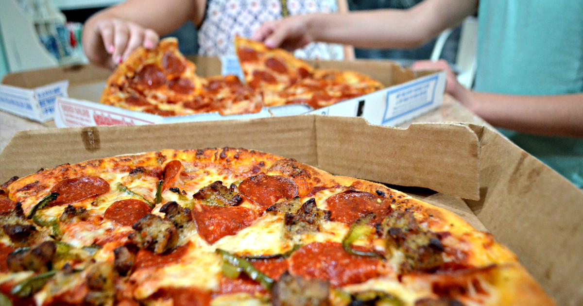 Score A Deal On A Pizza Dinner At Domino S Hip2save