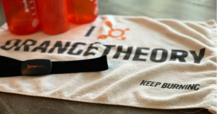 orangetheory fitness review – Towel and drink bottles