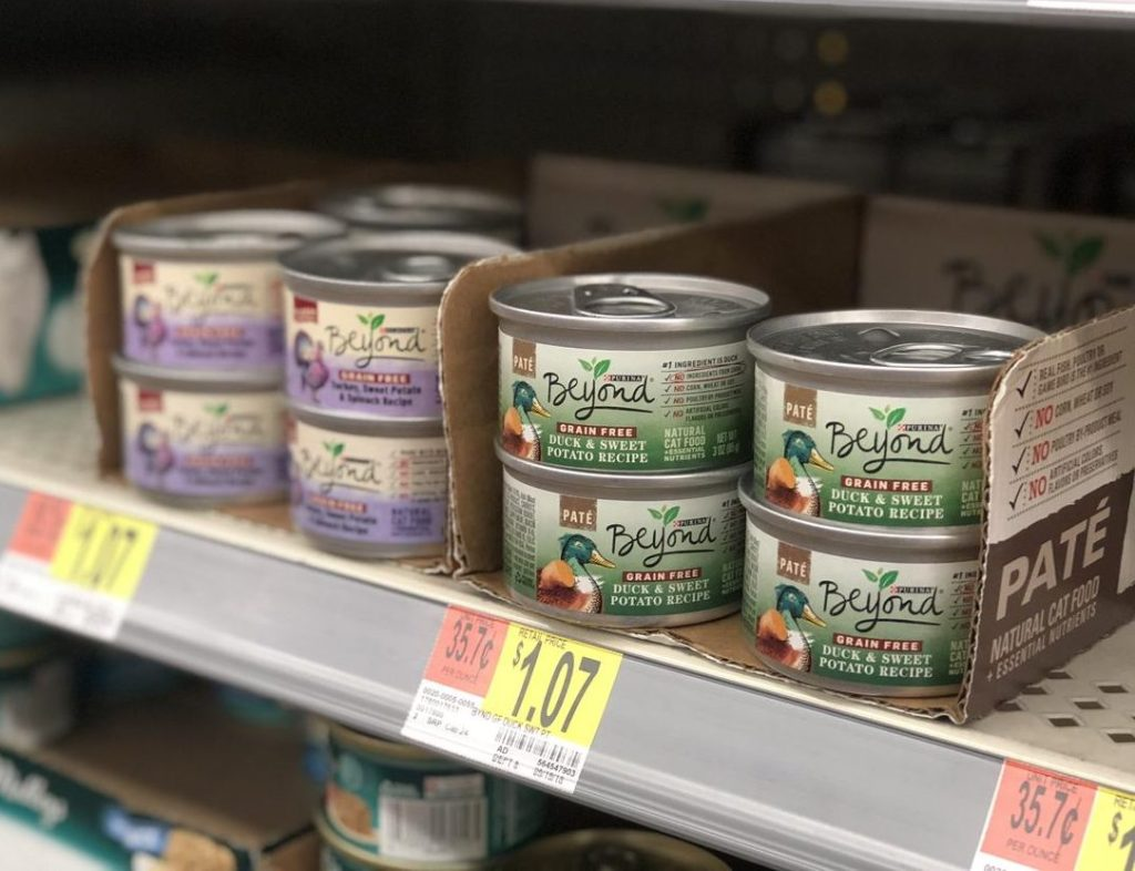 Purina Beyond canned cat food at Walmart