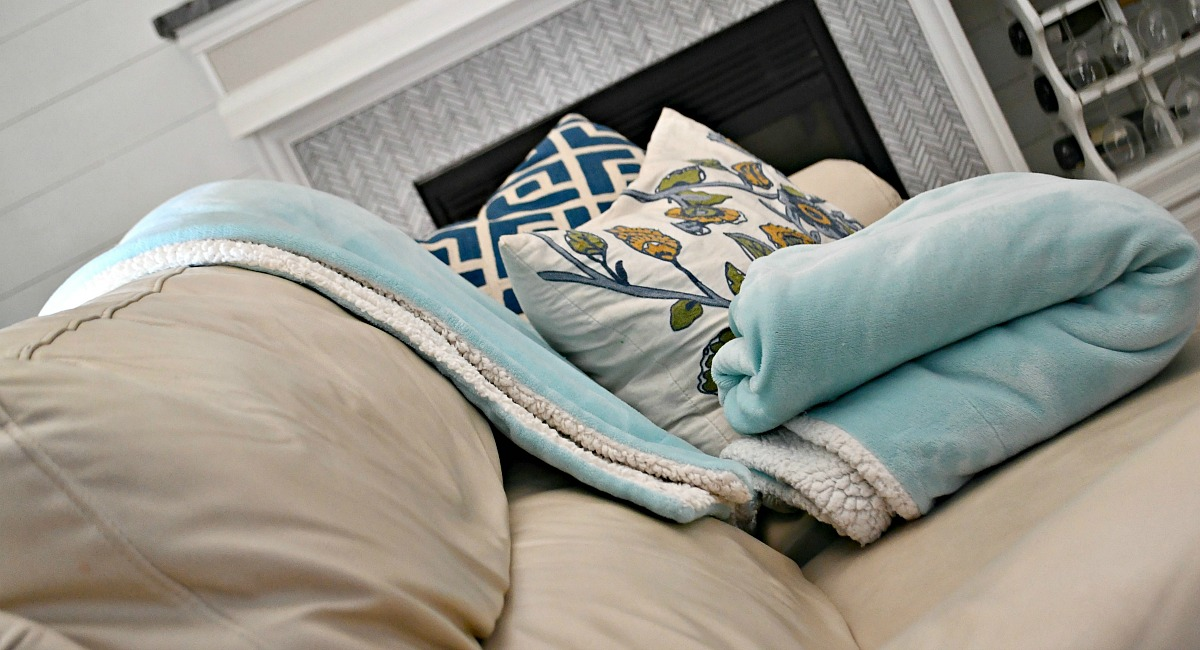 our favorite blankets we have an obsession and shop for — amazon bedsure sherpa blanket