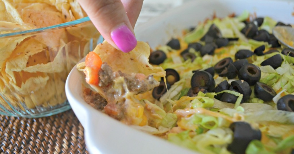 touchdown taco dip with chips