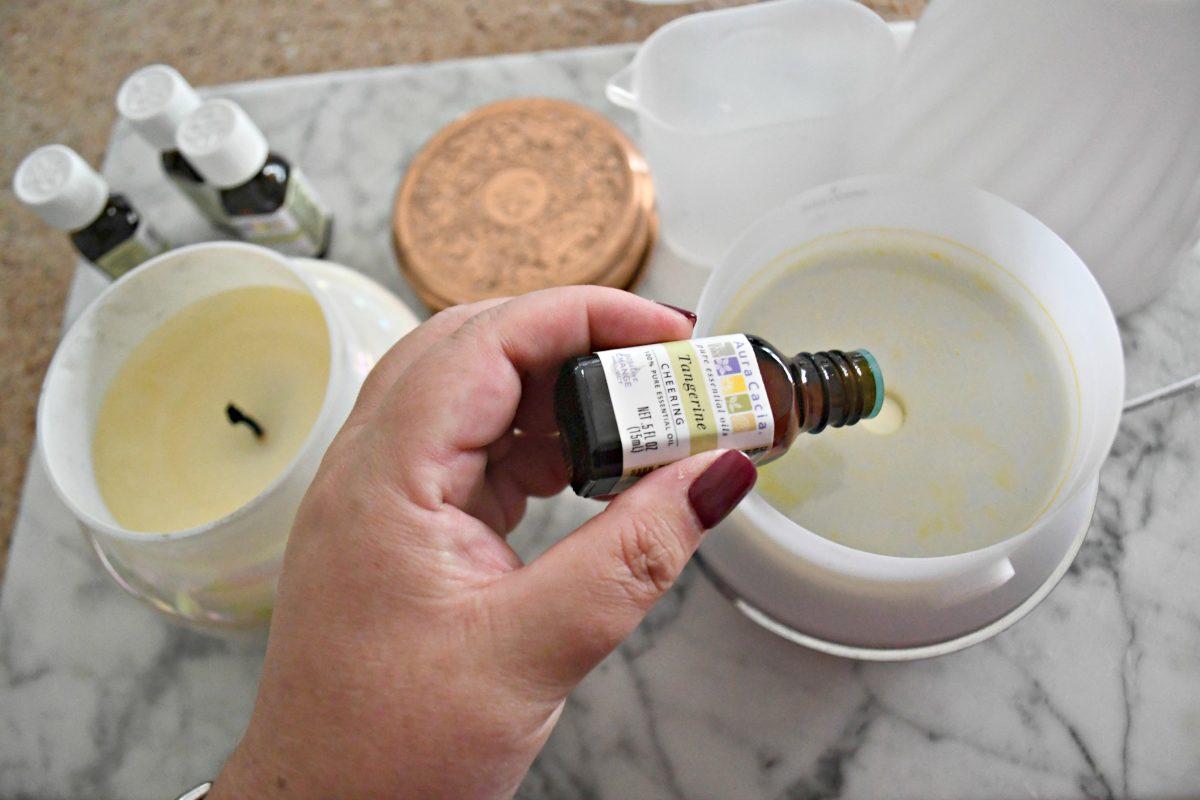DIY Anthropologie Capri Candle Diffuser Scent – Adding drops of oil