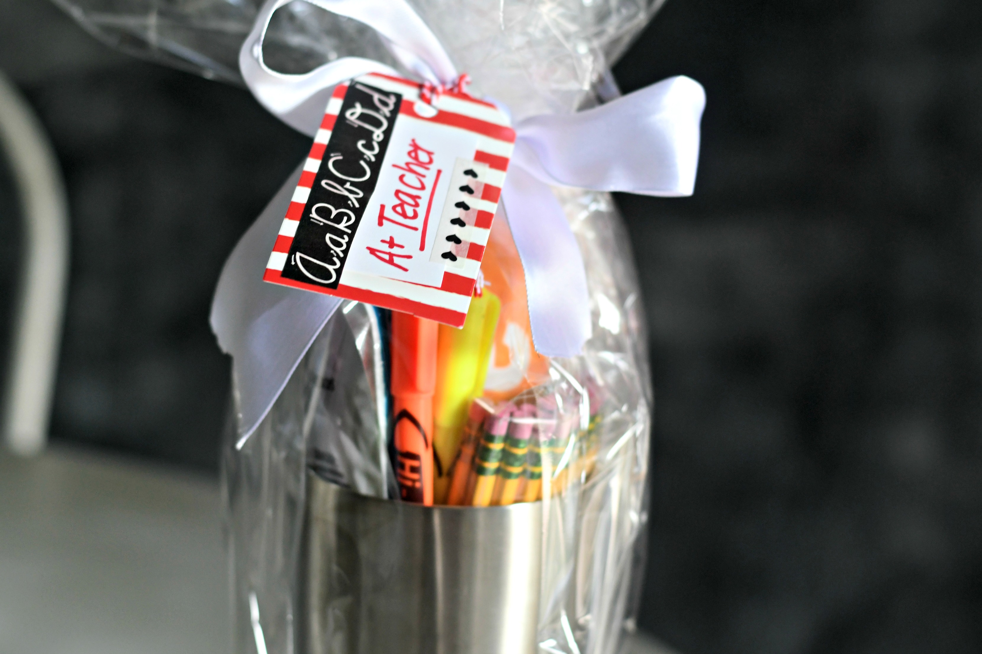 DIY Tumbler Gift basket ideas – cellophane wrapped teacher gift