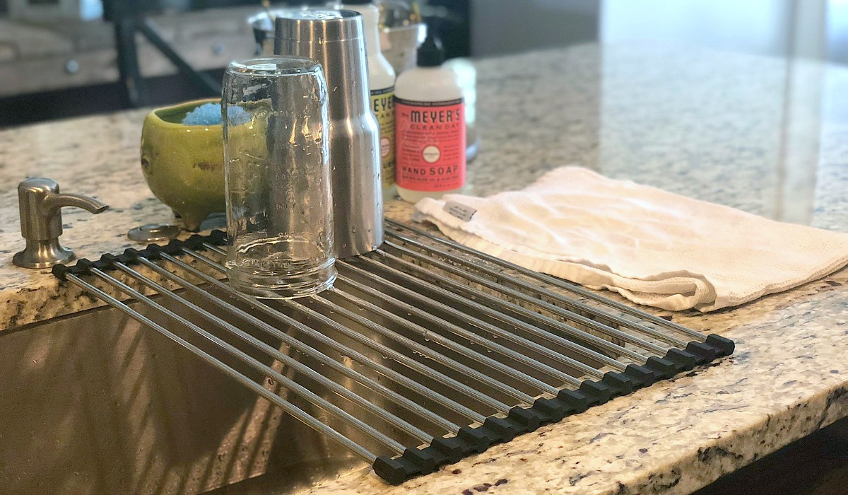 gift guide for chefs and cooks — roll up dish drying over the sink rack