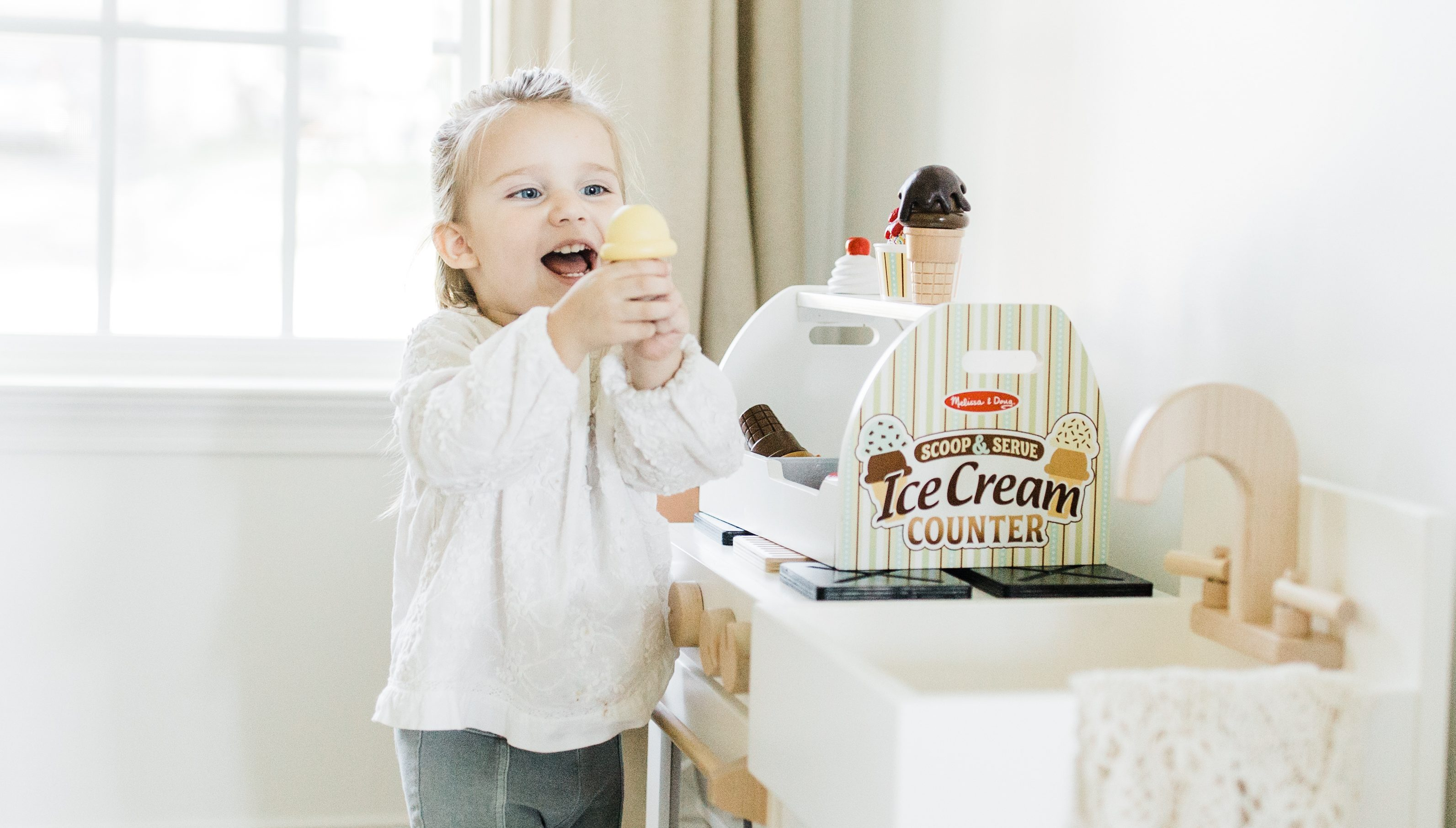 hot 2018 amazon christmas toys – child with pretend ice cream