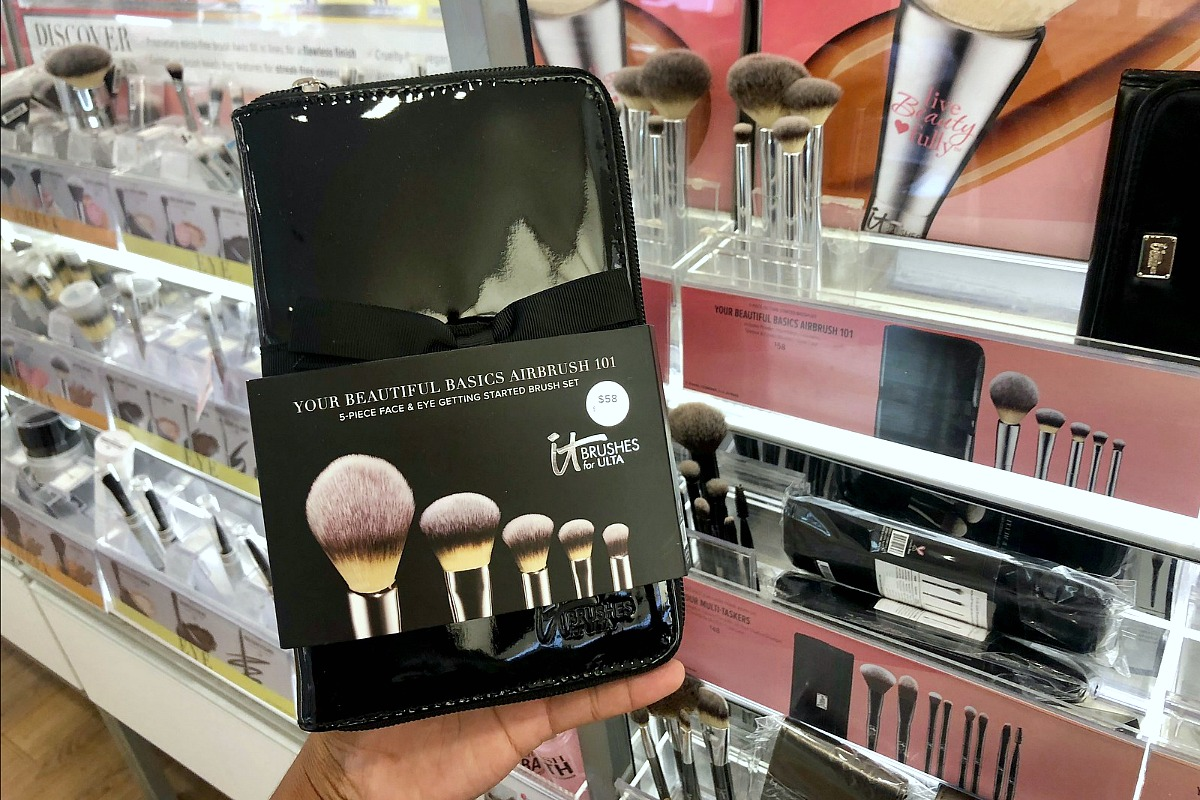 gift guide for your beauty makeup lover — it cosmetics makeup brushes at ulta
