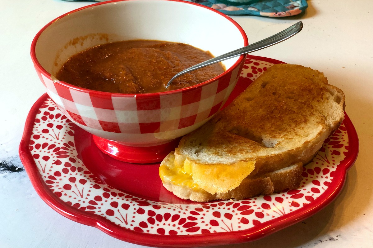 vegetarian meal planning tips for a meat-loving family – soup and sandwich meals