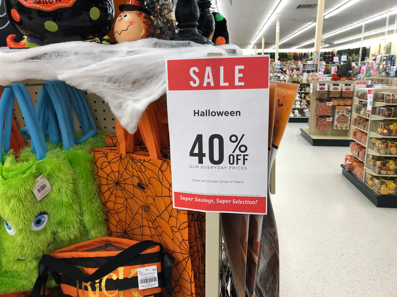 40% off halloween decor at hobby lobby (in-store & online) - hip2save