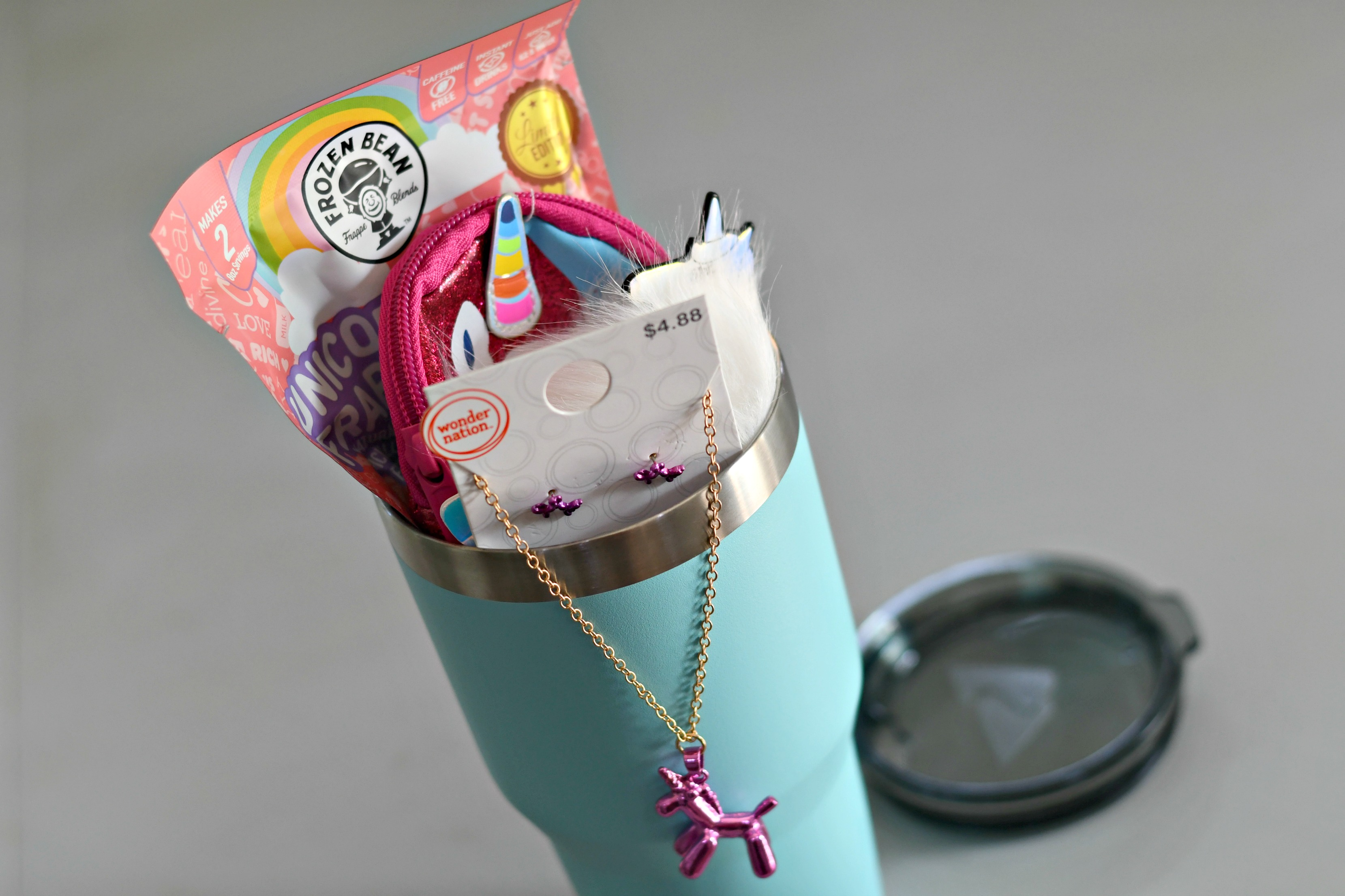 DIY Tumbler Gift basket ideas – Unicorn gift contents in the tumbler