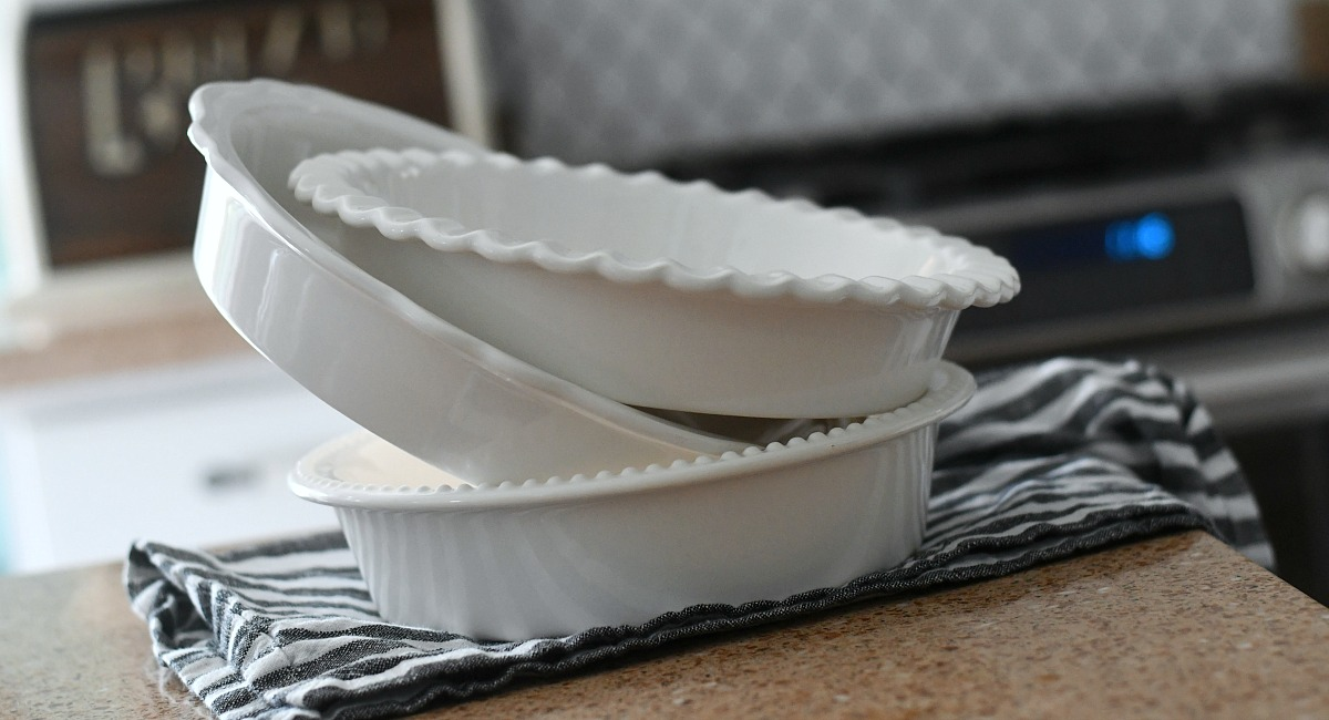 gift guide for chefs and cooks — williams sonoma pie plates stacked