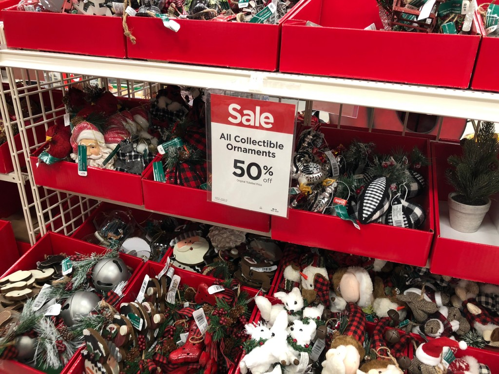 Up to 50 off all christmas decor at michaels in store for Online decor stores