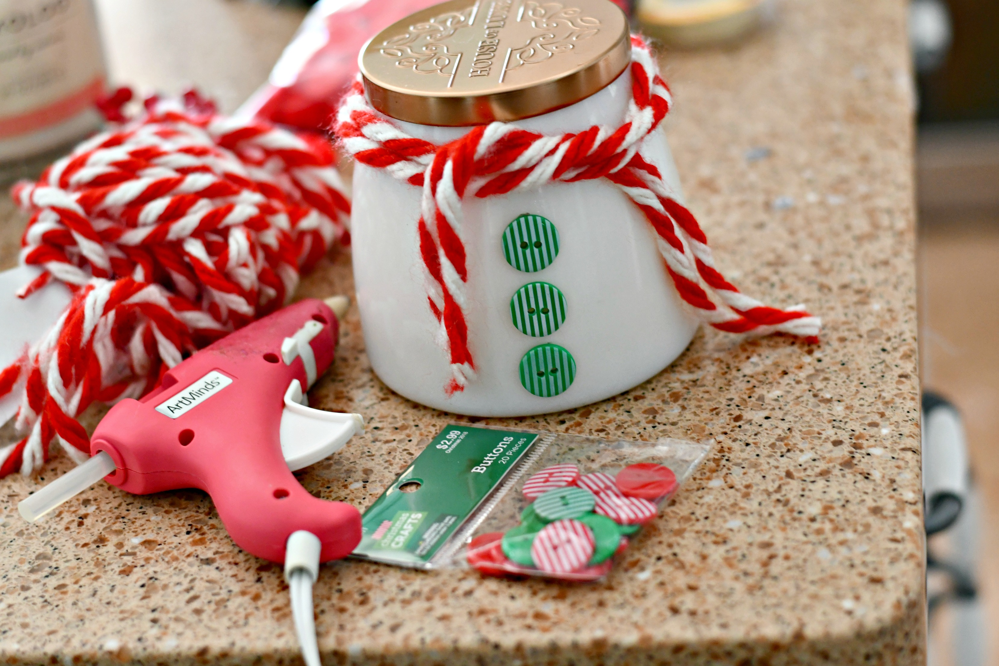 easy diy christmas candle gift ideas – snowman candle