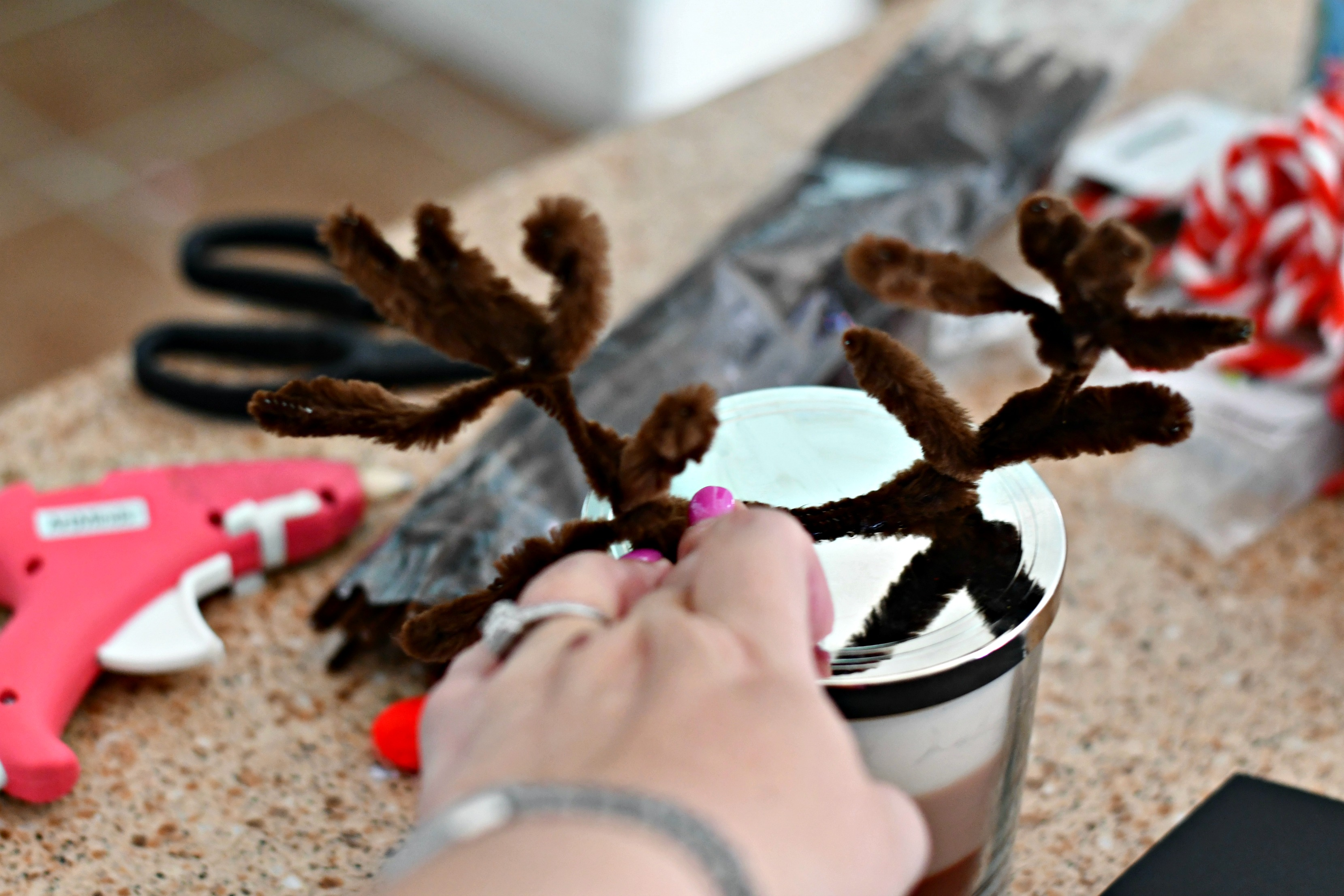 easy diy christmas candle gift ideas – Adding reindeer antlers
