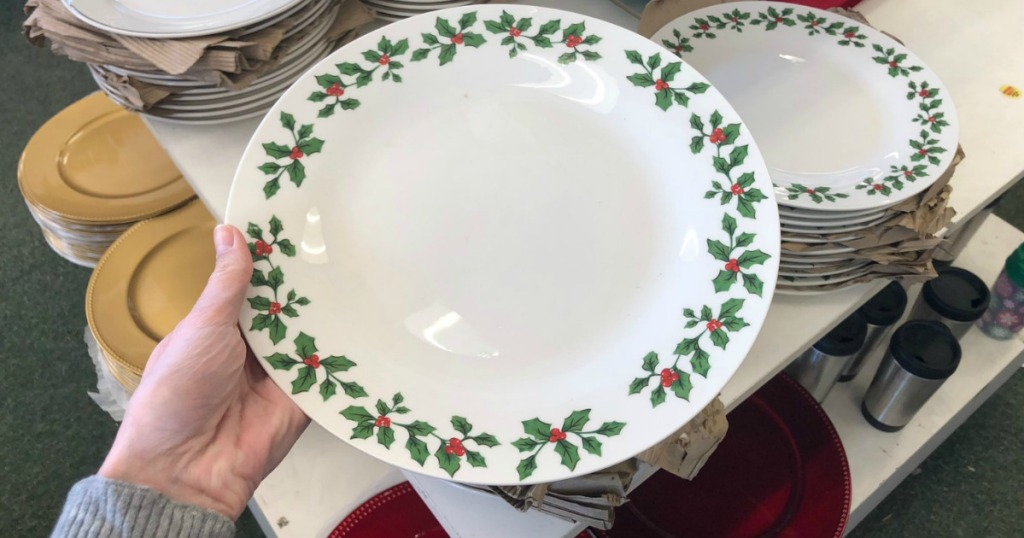Dollar Tree Holly Christmas Plates 2020 Festive Holiday Items Just $1 at Dollar Tree (Dishes, Candy, Décor