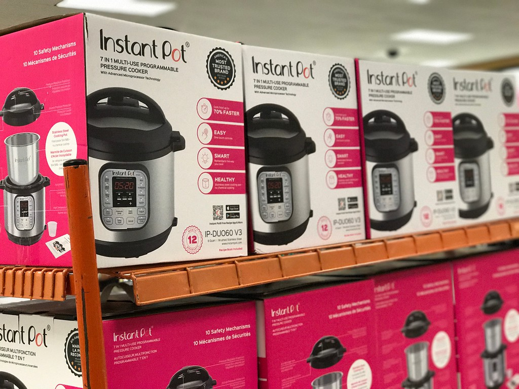 Instant Pot Duo 7-in-1 on store shelf display