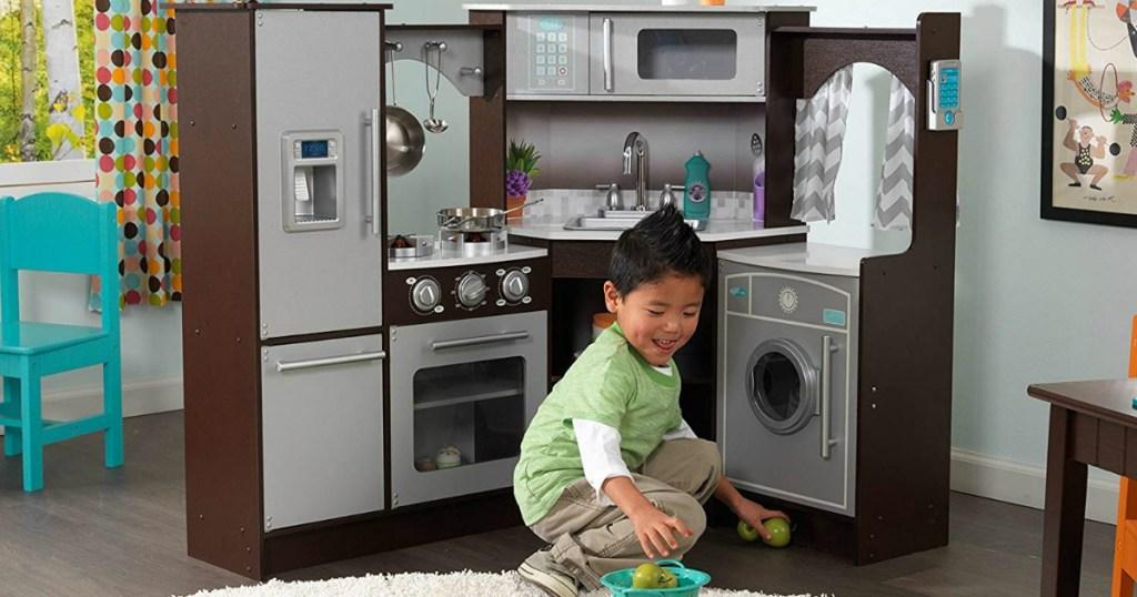 KidKraft Ultimate Play Corner Kitchen