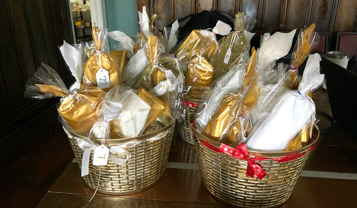 diy advent calendars — 4 baskets for each couple