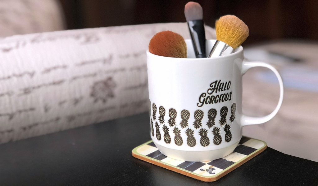 """gift guide for beauty makeup lovers — """"hello gorgeous"""" coffee mug"""