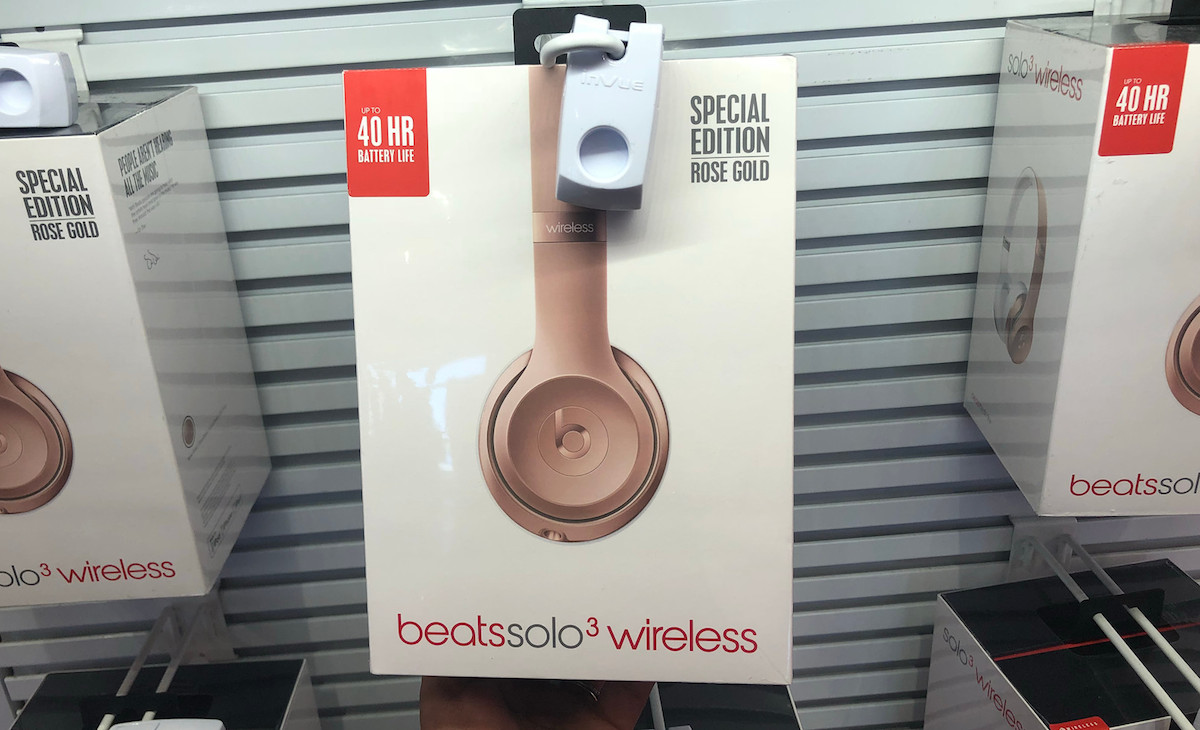 last-minute deals great gifts – beats solo3 dr dre wireless headphones luxury gift guide