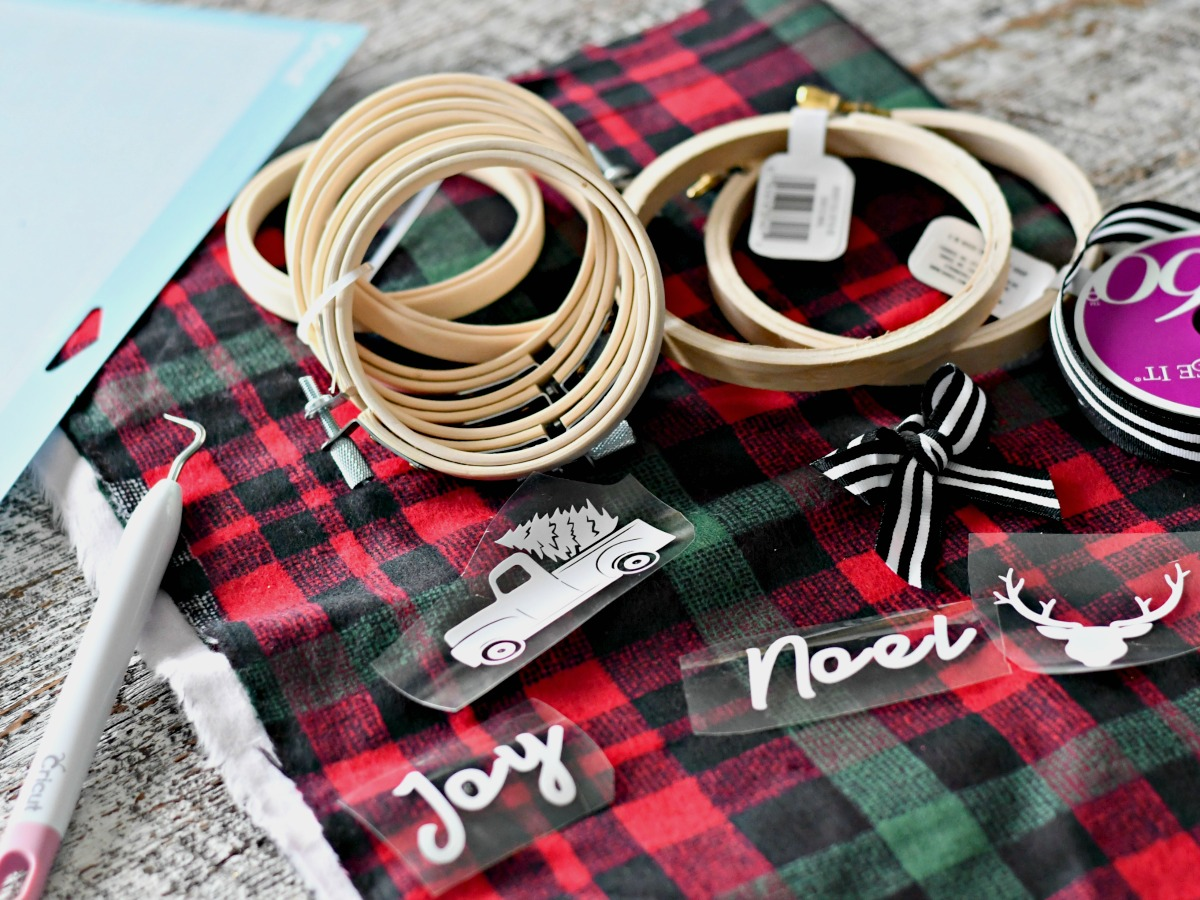 DIY Embroidery Hoop Christmas Ornaments – Hoops, ribbons, and plaid