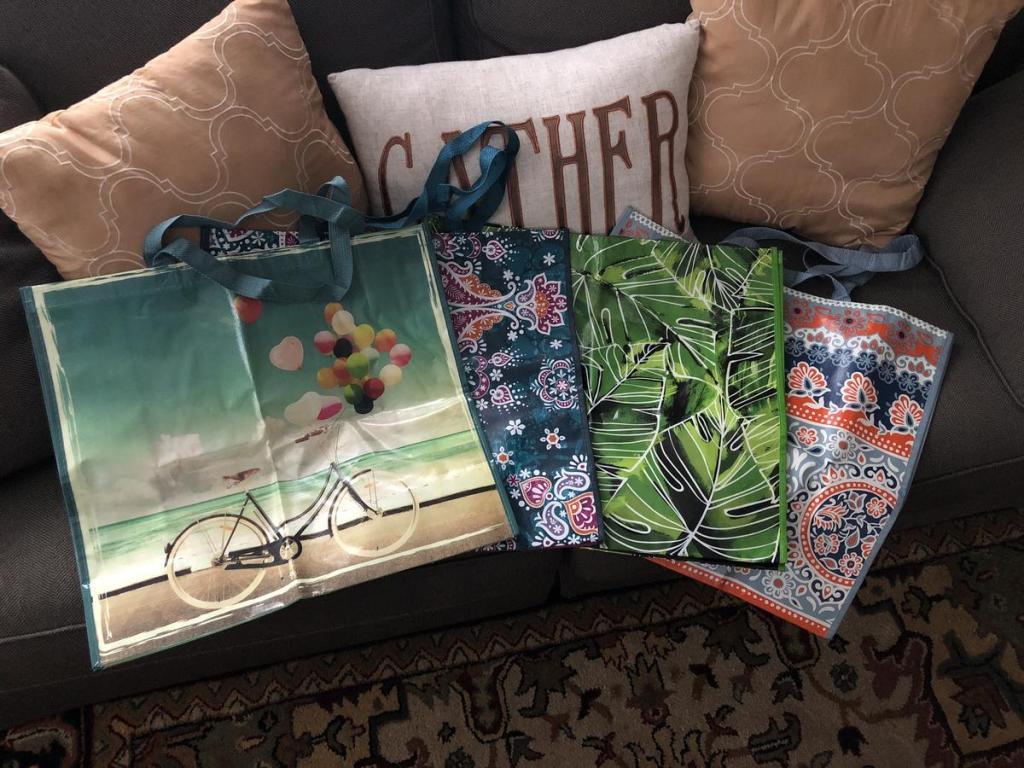 Gift Guide - Reusable shopping bags stocking stuffers
