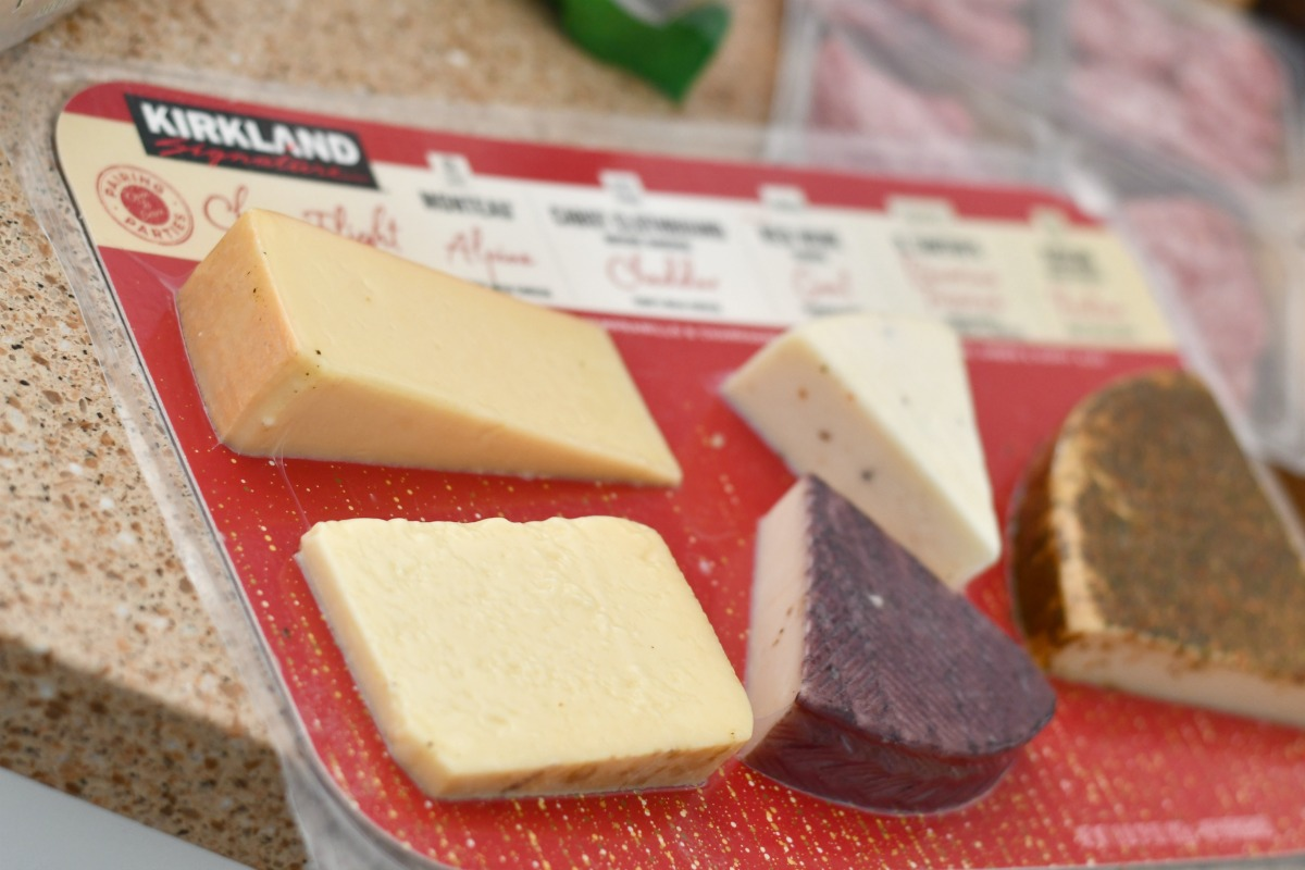 best easy charcuterie board – Kirkland cheeses case