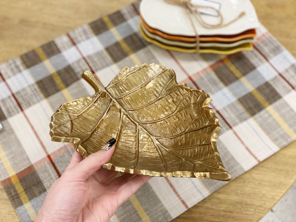 holding gold leaf tray
